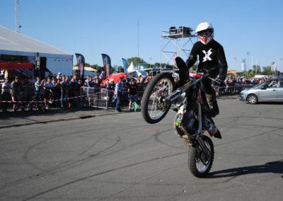 cyril bourny motorbike wheeling rear wheel