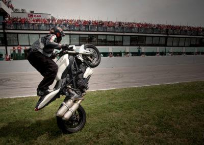 Stunt sur herbe