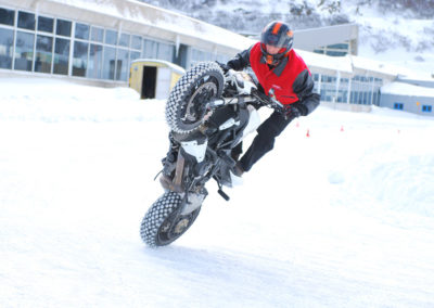 Stunt on snow