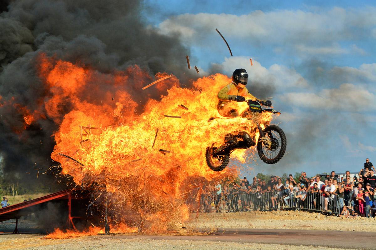 mur de feu moto cross couleur