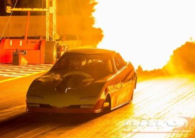 voiture dragster flamme